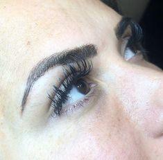 Microblading Eyebrows : tulsa microbladed eyebrows, emily gemma microbladed eyebrows, microblading r Beauty Tips For Face, Beauty Hacks, Beauty Secrets, Vaseline Beauty Tips, Korean Makeup Tips, Natural Eyeshadow, Eyeshadow Ideas, Thick Eyebrows, Microblading Eyebrows