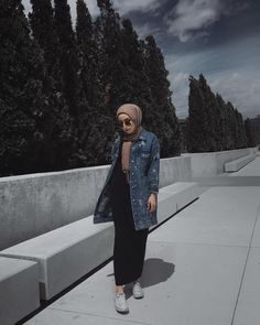 ideas for style hijab jeans skirts Modern Hijab Fashion, Street Hijab Fashion, Hijab Fashion Inspiration, Muslim Fashion, Modest Fashion, Fashion Outfits, Hijab Fashion Style, Hijab Fashion Summer, Fashion Ideas