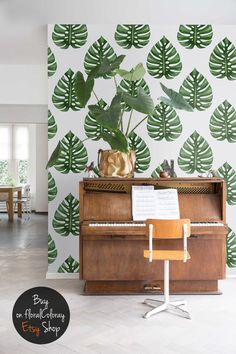 Monstera Deliciosa Removable Wallpaper - very green and trendy interior decoration Green Painted Walls, Monstera Deliciosa, Interior Decorating, Interior Design, Nature Decor, Home Decor Bedroom, Wall Murals, Wall Decor, Leaves Wallpaper
