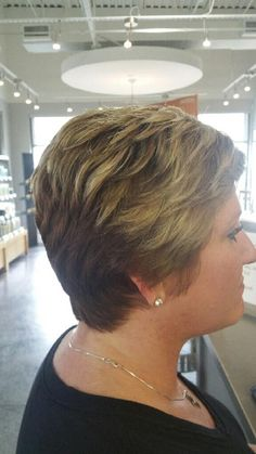 Short Stacked Wedge Haircut, Hair Makeup, Hair Cuts, Stylists, Fashion, Haircuts, Moda, Fashion Styles, Party Hairstyles