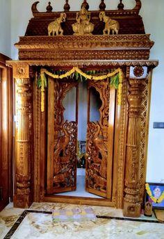 Single Door Design, Wooden Front Door Design, Pooja Room Door Design, Home Room Design, Indian Bedroom Decor, Architect Design House, Temple Design For Home, Pooja Mandir, Smart Home Design