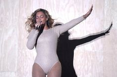 Beyoncé y Lady Gaga subastarán su ropa más sexy por una buena causa