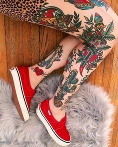 Old School Tattoos o Old Tattoos, Body Art Tattoos, Girl Tattoos, Tattoo Ink, Arm Tattoo, Vintage Tattoos, Neck Tattoos, Dragon Tattoos, Tatoos