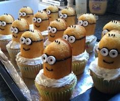 Saw this online, cutest Despicable Me cupcakes!!!! Great for a kids snack or birthday party!!