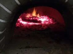 This fire in the pizza oven was nice and hotttt :) #wellness Last night my housemates made pizza while watching the rugby & I was also watching the rugby #homemade #merentiaskitchen #merentiasadventures #capetown #southafrica #instafood ##foodporn #foodgasm #foodspotting #food #instalike #instagood #instamood #pizza