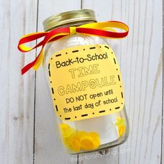 This DIY back-to-school time capsule is a fun way to preserve first day of school memories. Fun back-to-school activities for kids.