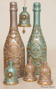 Международный университет декупажа Glass Bottle Crafts, Diy Bottle, Bottle Art, Wedding Bottles, Wedding Glasses, Pop Bottles, Liquor Bottles, Altered Bottles, Bottle Painting