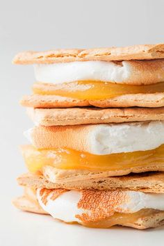 Some Delicious S'mores Ideas - Cooking Classy lemon curd, homemade or store bought {Lemon Meringue Pie Köstliche Desserts, Delicious Desserts, Dessert Recipes, Yummy Food, Dessert Healthy, Meringue Desserts, Lemon Desserts, Lemon Meringue Pie, Lemon Curd