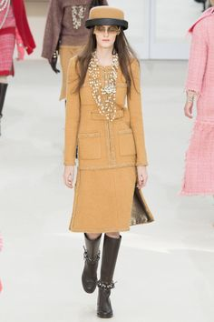 Chanel Fall 2016 Ready-to-Wear Collection