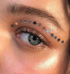5 Best Summer 2019 Makeup Trends You Need To know. 5 Best Summer 2019 Makeup Trends You Need To know. Makeup Trends, Makeup Inspo, Makeup Art, Makeup Inspiration, Makeup Tips, Beauty Makeup, Makeup Primer, Makeup Basics, Makeup Drawing