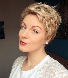 Messy Curly Pixie Hairstyle via