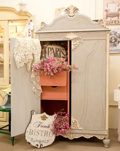 Beauty in shabby chic style Upcycled Furniture, Shabby Chic Furniture, Furniture Projects, Furniture Makeover, Diy Furniture, Dresser Makeovers, Furniture Design, Shabby Chic Cottage, Shabby Chic Decor