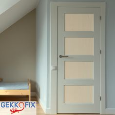 Give your door a new look with #Maple foil for doors (90cm x 2,2m). Get inspired & get creative! #DIY #Gekkofix