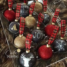 When @lizzomarek calls❤️ Hanging ornament cake pops to match her gorgeous cake...hand painted with chalkboard effect using #poppypaints from @pinkpoppypastriesandpops. Please stay tuned for the tutorials on both the hanging ornament cake and the cake pop ornaments coming soon to sugargeekshow.com #yestheyarerealcakepops #christmasishere