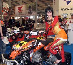 Mulheres com corpo pintado de moto, gostosa com corpo pintado na moto, babes on bike with body paint, Women on bike with body paint, sexy on bike, sexy on motorcycle, babes on bike, ragazza in moto, donna calda in moto,femme chaude sur la moto,mujer caliente en motocicleta, chica en moto, heiße Frau auf dem Motorrad