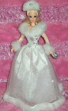 2002 Winter Reflection Barbie  Avon