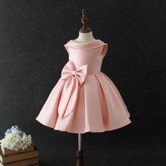 Baby Girls Big bow princess dress Pearl Sequins Birthday party - Everything For Babies African Dresses For Kids, Gowns For Girls, Frocks For Girls, Kids Frocks, Girls Dresses, Formal Dresses, Baby Girl Party Dresses, Birthday Girl Dress, Birthday Dresses