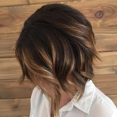 Balayage Ideas for Short Hair - Balayage Short Bob - Tips, Tricks, And Ideas for Balayage Hairstyles You Can Do At Home And For Short And Very Short Hair. DIY Balayage Hair Styles That Cost Way Less. Try The Pixie Balayage Hairdo For Blonde Or Dark Brunet Ombre Hair Cheveux Court, Onbre Hair, Wavy Hair, Hair 24, Curls Hair, Dyed Hair, Fall Hair Color For Brunettes, Choppy Bob Hairstyles, Bob Haircuts