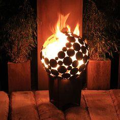 +Feuerstelle+Kugel+d=55+cm+mit+tiefem+Sockel+von+Atelier51+auf+DaWanda.com