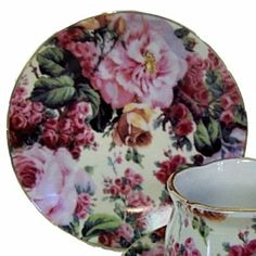 English Rose Pattern Fine China Cup Cake Plates for Children's Tea Parties by The Queen's Treasures. $17.31. From the Manufacturer                Dainty English Rose Pattern cupcake plates designed and manufactured by The Queen's Treasures. Sold as set of four inches  plates they coordinate perfectly with our demi cups and saucers to create the perfect table setting for any tea party.  inches inches  quality fine china, wonderfully perfect for tea parties. fabu...