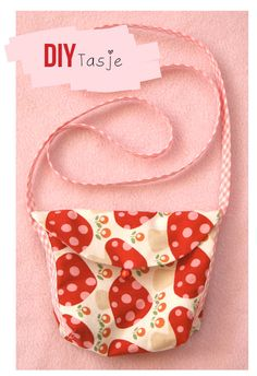 i hope that I can figure this out without english instructions Sewing For Kids, Baby Sewing, Diy For Girls, Little Girls, Sewing Barbie Clothes, Boho Diy, Mini Purse, Girls Bags, Little Bag