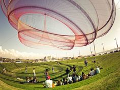 She Changes by Janet Echelman seen at Waterfront, Cidade Salvador Plaza, Porto and Matosinhos, Portugal, Matosinhos San Salvador, Land Art, Janet Echelman, Instalation Art, Open Air, Large Artwork, Montage Photo, Colossal Art, Art Sculpture