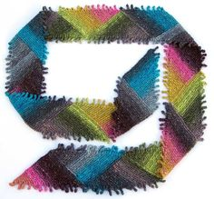 Triangles & Fringes Scarf - free pattern