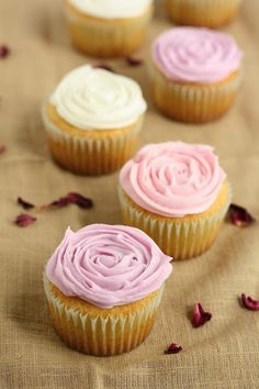 Rose Cupcakes for the Rose City! | hummingbird high || a desserts and baking blog