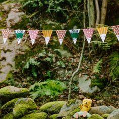 Pretty Pennants - Oh what a friendly face from Tiny House of Rym #freedownload