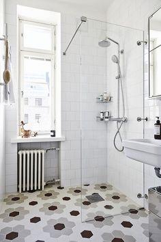 Dipingere Piastrelle Bagno / Bagno Piccolo / Rinnova Il Bagno Senza  Ristrutturare In 7 Mosse #hogarhabitissimo   Arredamento   Pinterest   Bath  Room, ...