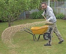Feuchte Böden lassen sich durch das Aufbringen von Sand verbessern