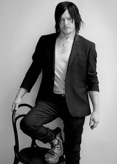 Norman Reedus photographed by Eric Guillemain for L'Uomo Vogue Daryl Dixon, Norman Reedus, The Walking Dead, Arms, Sexy Tattoos, John Wick, Eye Candy, Weapons, Hot Tattoos