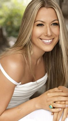 Love Colbie Caillat's hair color