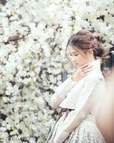 한복 Hanbok : Korean traditional clothes[dress] | #ModernHanbok More