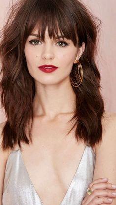 long brunette hair with bangs Medium Hair Cuts, Medium Hair Styles, Short Hair Styles, Haircut Medium, Haircuts With Bangs, Long Haircuts, Grunge Hair, Brunette Hair, Long Brunette
