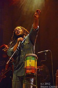 Ragga (Stephen Marley) at Mill City Nights on September Stephen Marley, Dreadlock Rasta, Bob Marley Pictures, Marley Family, Karma Chameleon, Music Photographer, Music Like, Twin Cities, Dreads
