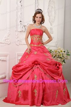 http://www.newquinceaneradresses.com/by-occasion/prom-quinceanera-gowns  customize sweet sixteen quinceanera dresses for 2013 spring