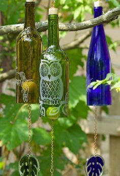 Wine bottle wind chimes from Rosie Carson's Etsy shop. Wine Bottle Windchimes, Wine Bottle Corks, Glass Bottle Crafts, Diy Bottle, Wine Bottle Lanterns, Bottles And Jars, Glass Bottles, Cut Bottles, Liquor Bottles