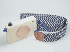 ZIGZAG camera strap by PARENTHESEPARIS on Etsy https://www.etsy.com/listing/386472860/zigzag-camera-strap