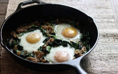 Start your day off right with this veggie and protein-packed breakfast skillet. It's loaded with dark leafy greens and sweet caramelized onions. Elle Penner R. notes it's perfect for weekends or weekdaysjust caramelize those onions ahead of time f High Protein Recipes, Healthy Protein, Protein Foods, Healthy Recipes, Protein Nutrition, Protein Power, Food Nutrition, Breakfast Skillet, Protein Packed Breakfast
