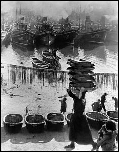 SPAIN. Basque country. Gulf of Biscaye. Bermeo harbour. January-February 1937.