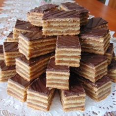 Hungarian Recipes, Holiday Dinner, Christmas Baking, Winter Holidays, Food And Drink, Menu, Pie, Sweets, Candy