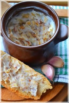 Domowy e Zapismalec z kiełbasą i czosnkiem. Fruit Recipes, Pork Recipes, Appetizer Recipes, Cooking Recipes, Poland Food, Frugal Meals, Winter Food, Sauce, Love Food