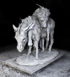 """Nicola Hicks's """"Who was I kidding?"""" is part of an exhibition of her work at the Yale Center for British Art. Animal Sculptures, Sculpture Art, Chelsea School Of Art, British Traditions, Artist Art, Pet Birds, Cool Art, Fine Art, Beautiful"""