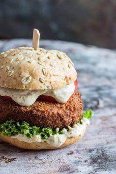 Pittige kroketburger: winnende festivalburger van Sabine http://simoneskitchen.nl/pittige-kroketburger/