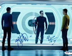 All About The Star Trek 2009 Cast read about Chris Pine as James T. Kirk and Zachary Quinto as Spock. Get signed photos Chris Pine & Zachary Quinto. Star Trek 2009, New Star Trek, Star Wars, Star Trek Into Darkness, The Darkness, Movie Plot, Movie Tv, Star Treck, Nave Enterprise