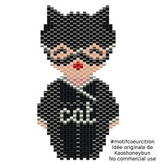 Catwoman version kokeshi. D'après une idée originale de @kaoshoneybun ☺ #catwoman #kokeshi #motifcoeurcitron #jenfiledesperlesetjassume #perlesaddict #perlesaddictanonymes #jesuisunesquaw #handmade #diy #jesuisunesquaw #brickstitch #miyuki #dccomics