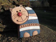 kočička -zápich Polymer Clay Cat, Clay Cats, Sculptures Céramiques, Christmas Crafts, Christmas Ornaments, Pottery Sculpture, Ceramic Animals, Salt Dough, Gourds