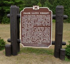 Frank Lloyd Wright (June 1867 – April was one of the world's most prominent and influential architects. Frank Lloyd Wright Buildings, Frank Lloyd Wright Homes, Natural Architecture, Art And Architecture, Wisconsin River, Usonian, Famous Architects, Travel Photos, Sheboygan Wisconsin