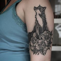 Raposinha #cicatrizada.   #tattoo #tatuagem #tatuaje #Tatouage #tatuaggio #tattoo2me #santacruzdosul #marquinhoandretattoo #ink #inked #art #LineWork #Pontilhismo #Dotwork #blackwork #blackworkers #blacktattoo #blacktattooart #tattoos #electricink #electricinkusa #Everlast Tattoo shared by marquinhoandretattoo